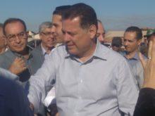 Governador Marconi cumprimenta a população presente à inauguração